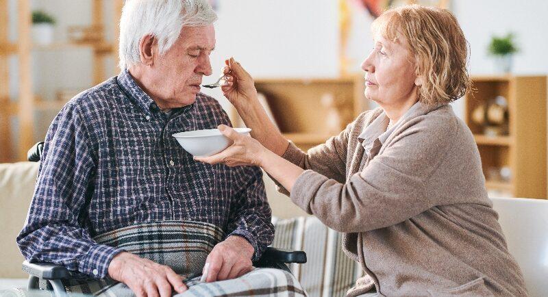 Mahlzeiten für Pflegebedürftige im hohen Alter