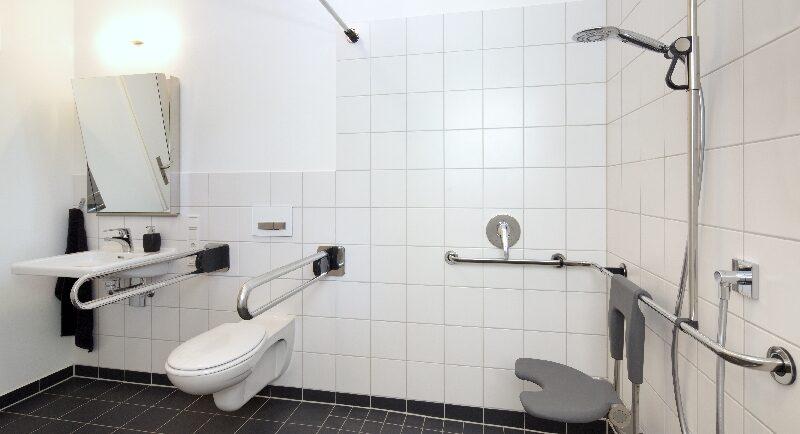 So wird das Badezimmer barrierefrei
