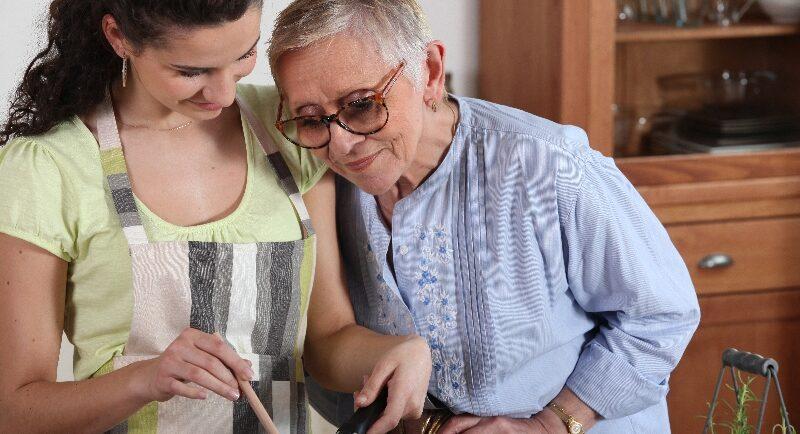 So entlasten ambulante Pflegedienste beim Kochen, Waschen und Versorgen
