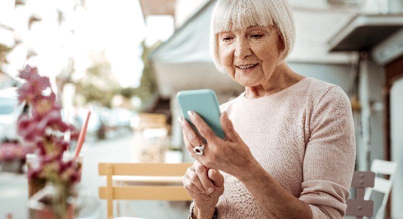 Ist ein Smartphone für Senioren empfehlenswert?