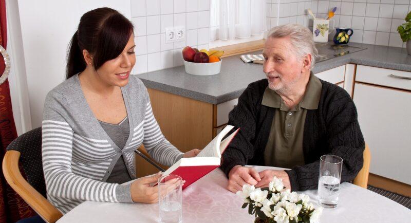 Pflegestützpunkte: So können Sie sich als ehrenamtlicher Helfer engagieren